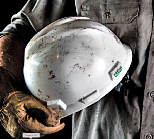 Signs You May Need a New Hard Hat