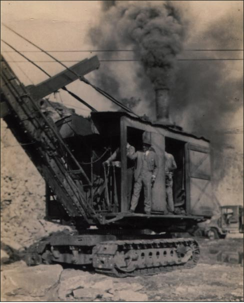 From mule trains to steam shovels and cranes, the Phenix Quarry history spans the growth of mechanization and the spread of modern mining methods.