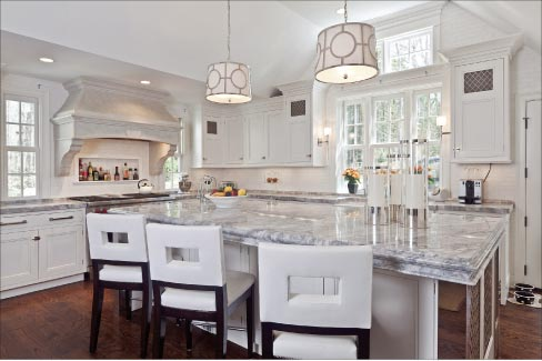 Fordham Marble excels in producing slab-sized islands with detailed architectural edging, creating luxurious spaces in kitchens, master bath suites and commercial settings.