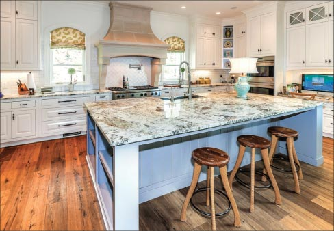 Superieur Above: Delicatus White Island And Ceramic Tile U2013 Stone Creek Says Its  Customers Continue To Gravitate Towards Painted Cabinets And Lighter  Granites And ...