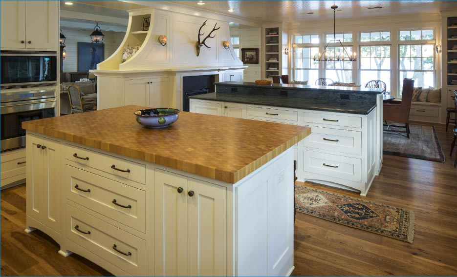 Innovative Surfaces kitchen projects for one of their new construction clients. Innovative Surfaces is active in several professional associations within the industry, including the Artisan Group, MIA, Midwest Chapter, Builders Association of the Twin Cities, and the NKBA.