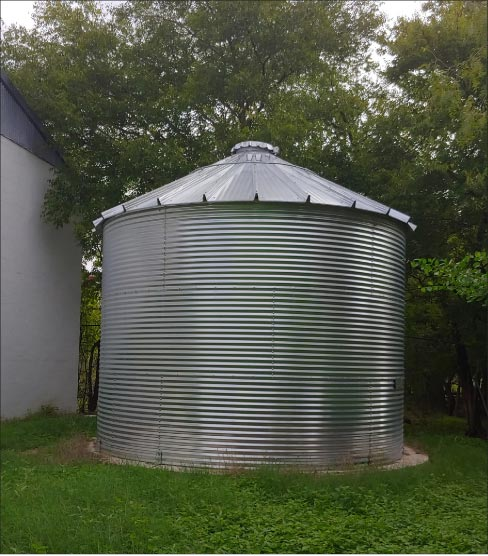 A  14,500 gallon cistern uses collected rainwater for their wet fabrication.