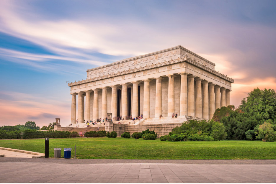 Featuring Calacatta Golden Yule marble, the Lincoln Memorial is one of the nation's most iconic monuments.